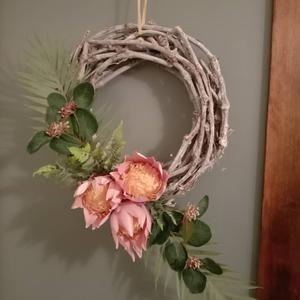 Regency Wreaths and Garlands