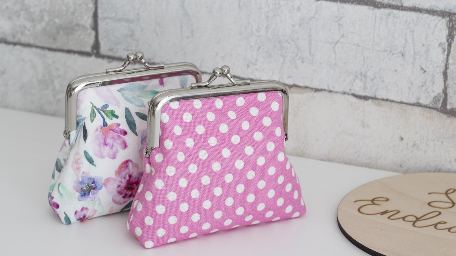 Metal clasp purse