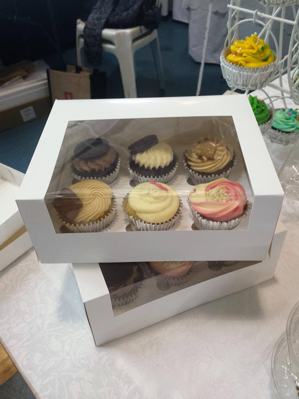 Varity of cupcakes