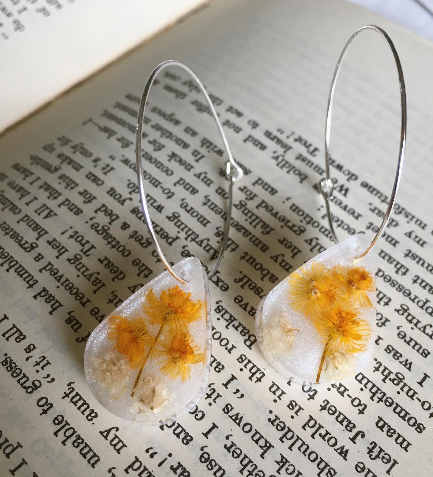 Opalescent resin earrings