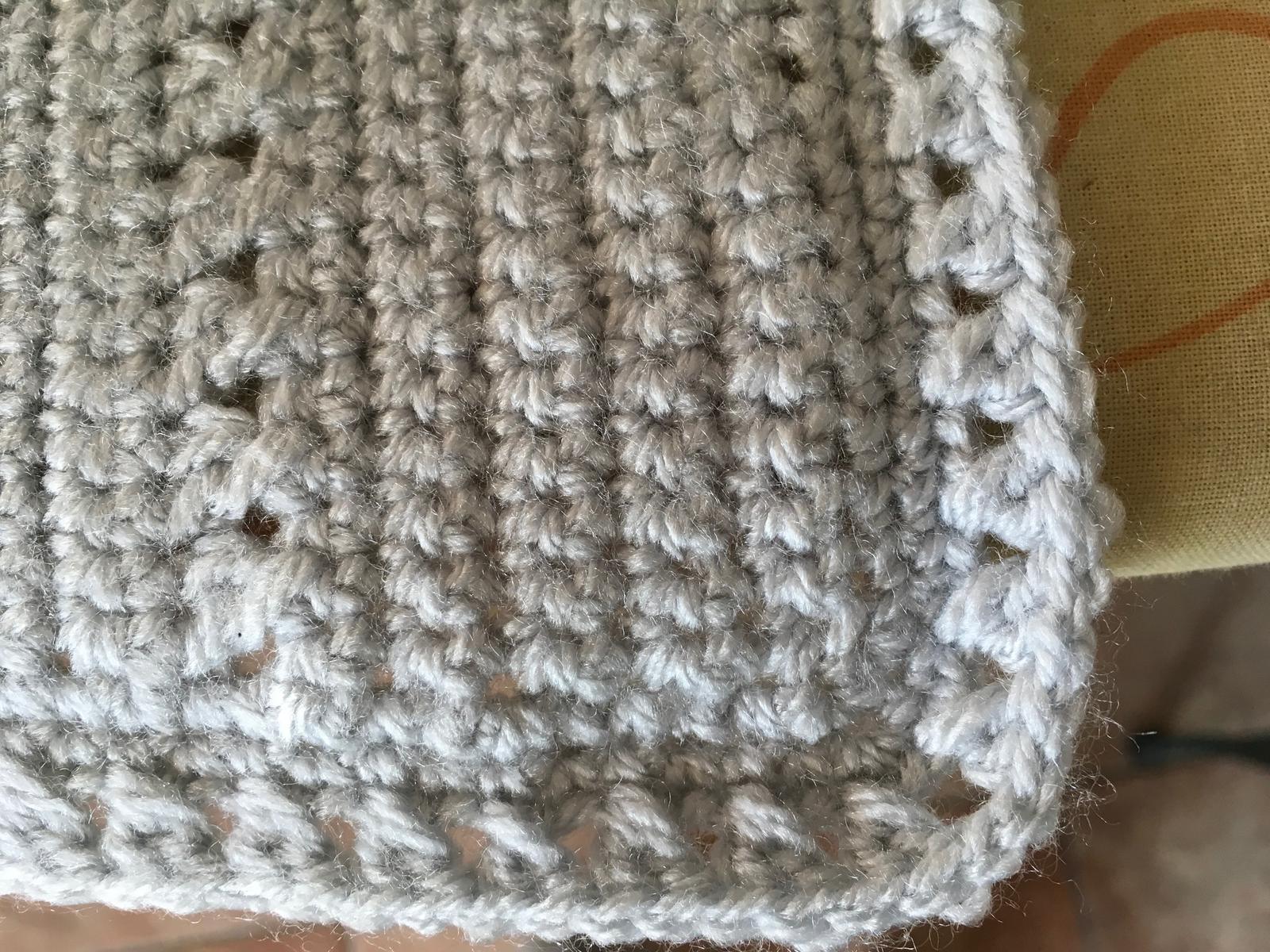 Bassinet Blanket edging