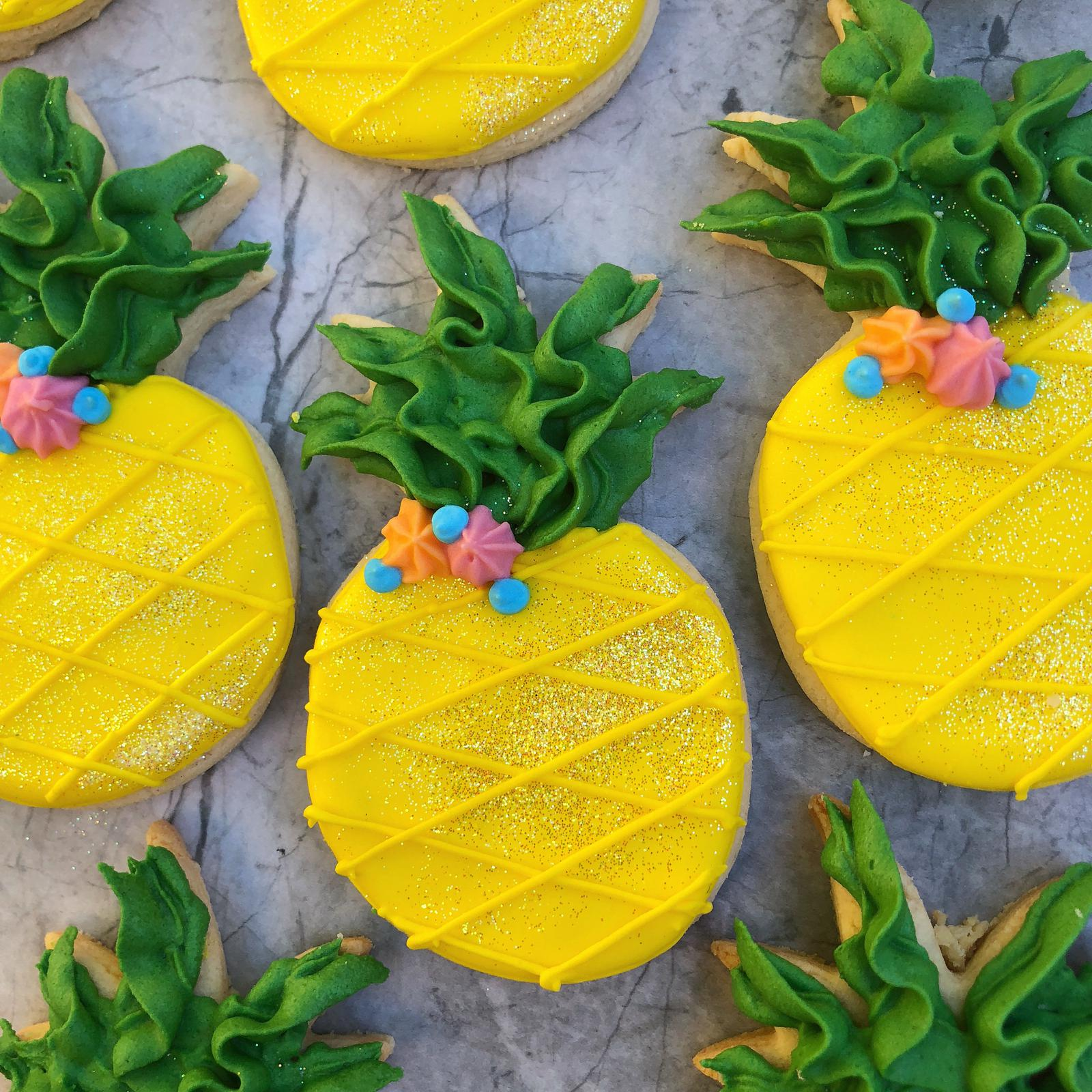 Royal icing pineapples