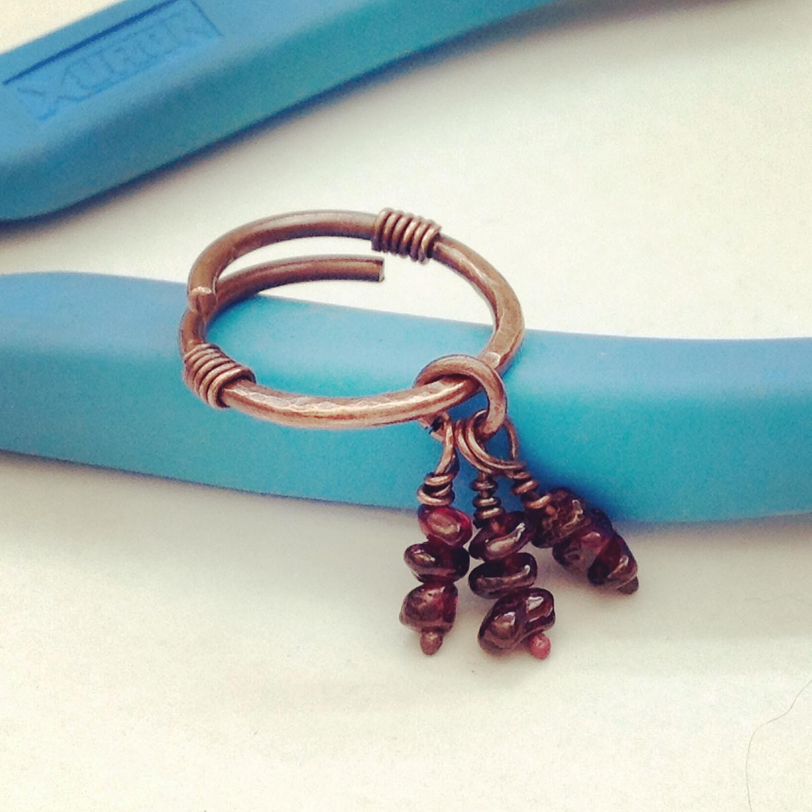 Plug or tunnel earring