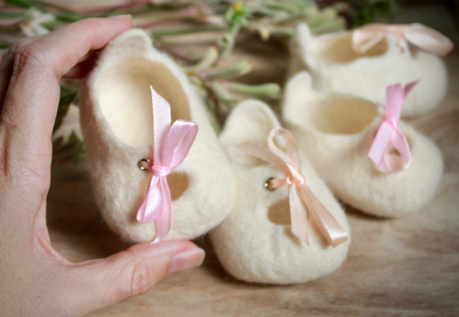 Melbourne Mary-Janes - Australian handmade special woollen felt baby shoes