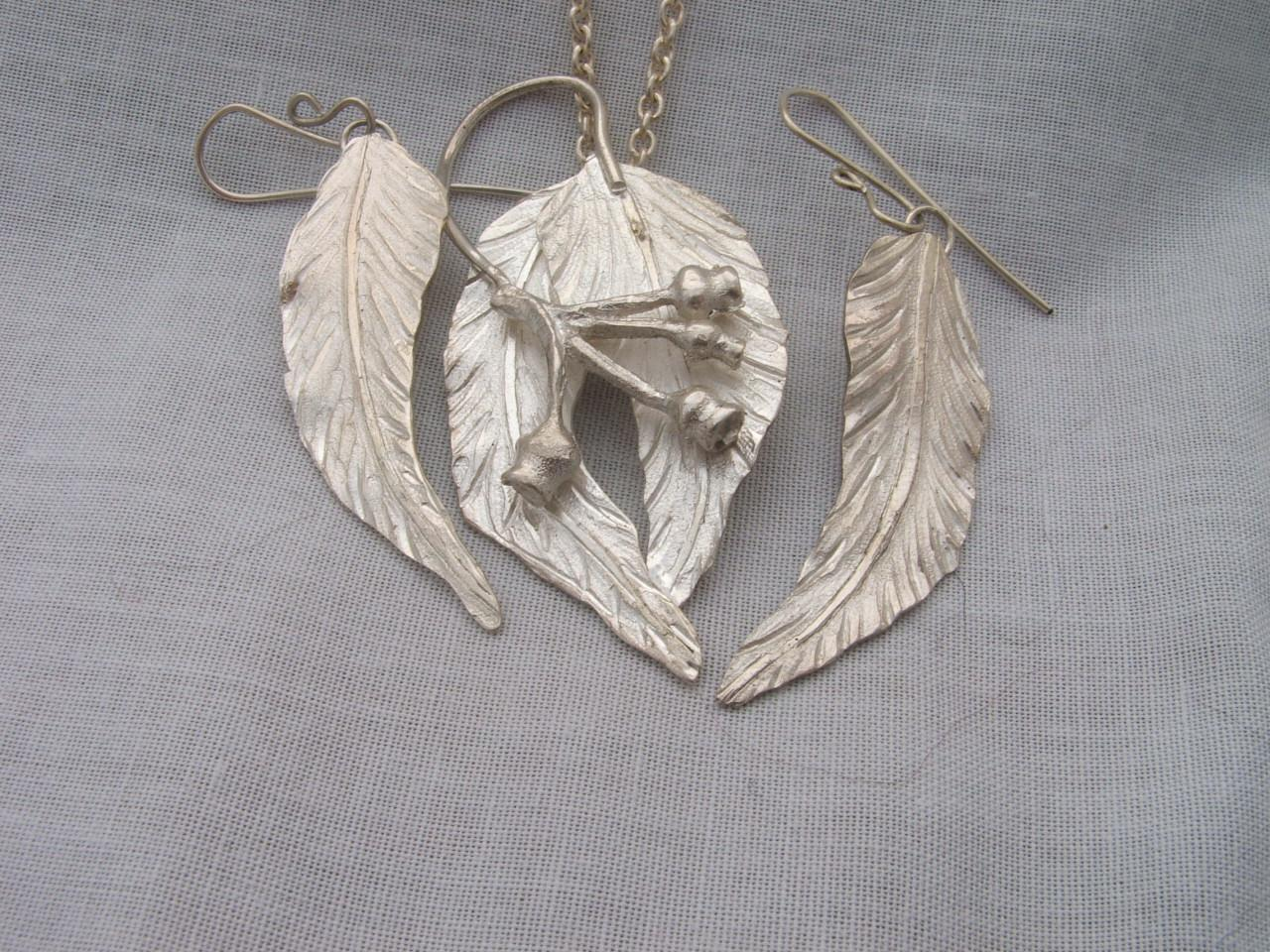 Gum Nut leaf Pendant and matching Ear rings