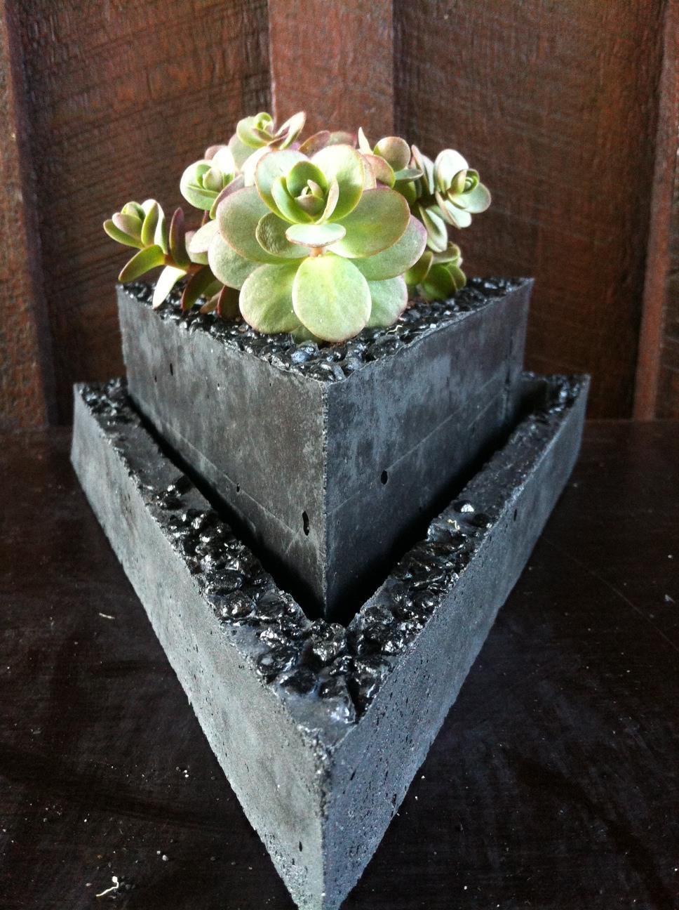 Unique triangle planter
