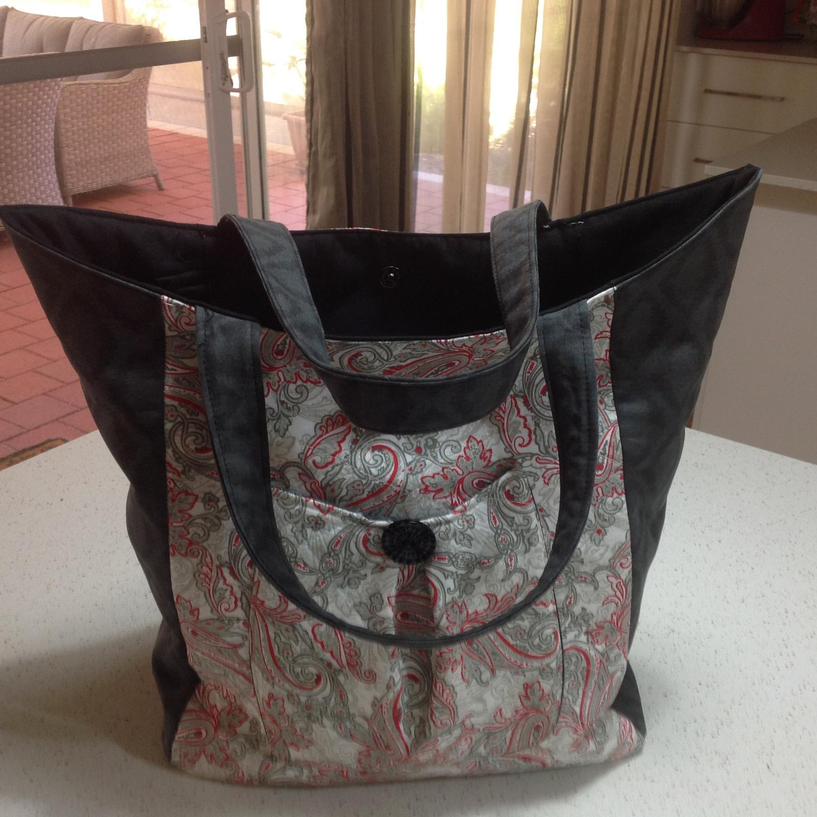 LINDA HOME-MADE PATCHWORK AND QUILTED BAGS